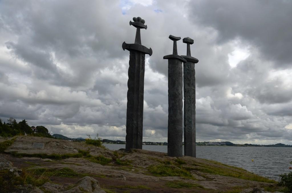 noorwegen stavanger drie zwaarden beelden